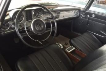 Mercedes Benz Pagode 230 SL